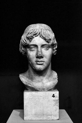 Apollo dell'Omphalos (dal Circo di Massenzio sull'Appia), Centrale Montemartini, Rome (Italie).