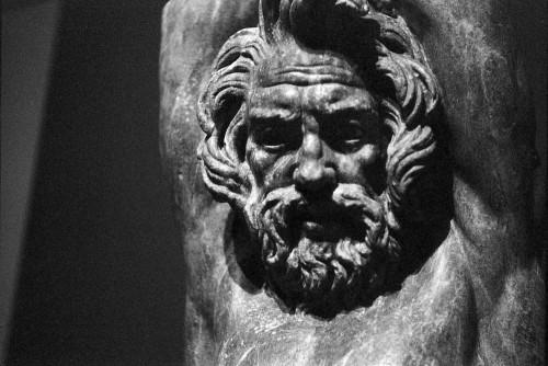 Marsyas pendu (provenant de la Villa delle Vignacce), IIIe siècle avant J.-C., Centrale Montemartini, Rome (Italie).