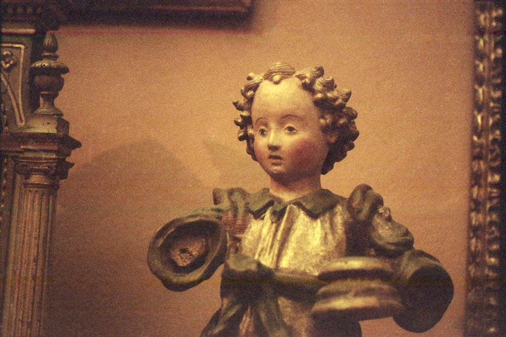 Putto reggitorcia (Toscane, XVIe siècle), musée Davia Bargellini, Bologne (Italie).